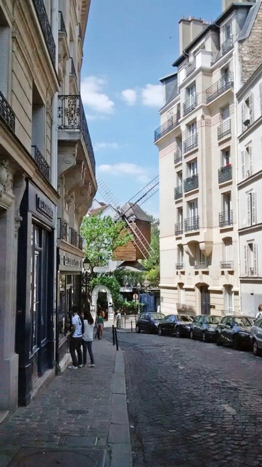 560 Montmartre (2)